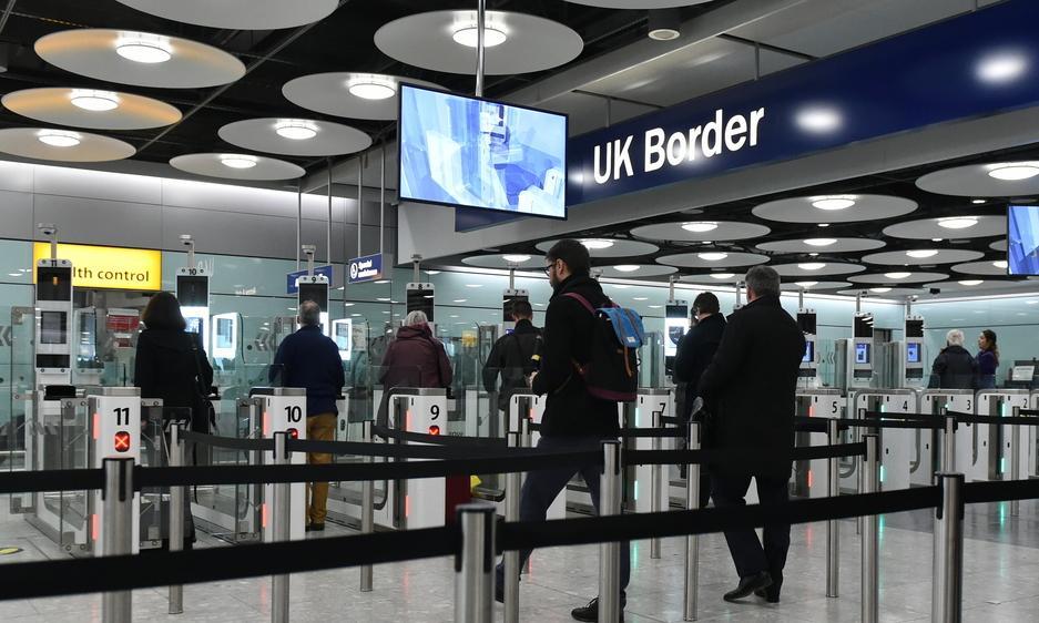 Jedna trzecia brytyjskich podróżnych mogła złamać zasady kwarantanny