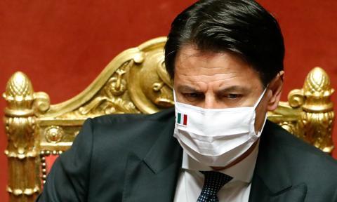 Włochy: godzina policyjna w Święta, kwarantanna dla przyjezdnych