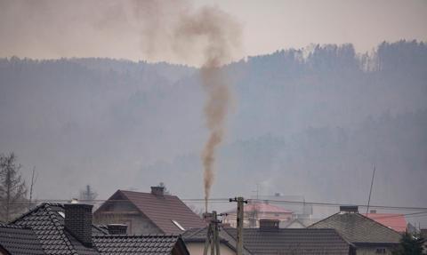 Ekspert: Polski smog różni się od smogu londyńskiego czy kalifornijskiego