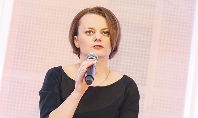 Jadwiga Emilewicz, wiceminister rozwoju, podkreśla, że dotacje w ramach działania 3.2.1 POIR pomogą przedsiębiorcom uruchomić linię produkcyjną dla nowych technologii lub usług. — Wprowadziliśmy ułatwienia dla mikro- i małych firm w tym konkursie — zaznacza wiceminister rozwoju.