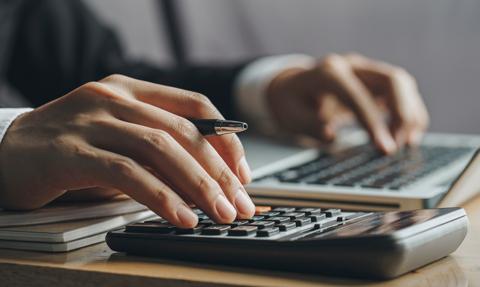 Ekspert podatkowy wylicza, jak Polski Ład zmieni obciążenia pracowników i firm