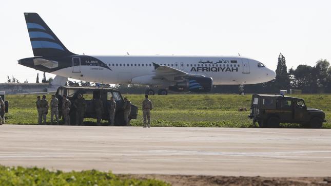Porwany libijski samolot wylądował na Malcie