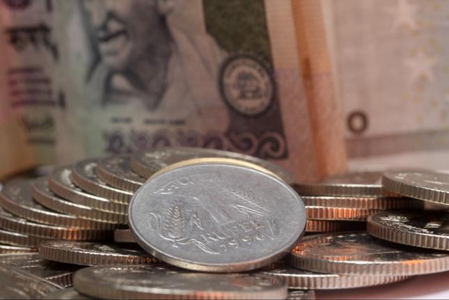 Bank Indii: Dewaluacja rupii niepotrzebna