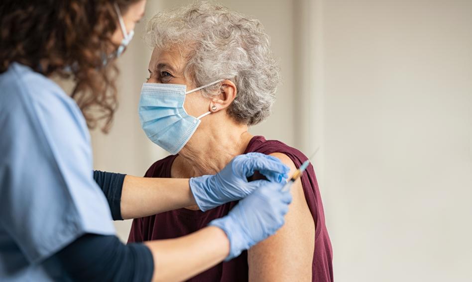 Niedzielski: Automatyczne skierowania na trzecią dawkę szczepionki