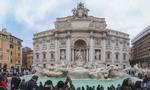 Grzywny po 450 euro dla turystów za kąpiele w fontannach