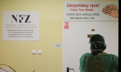 Rząd nie odbierze szpitali samorządom, ale wprowadzi własnych komisarzy