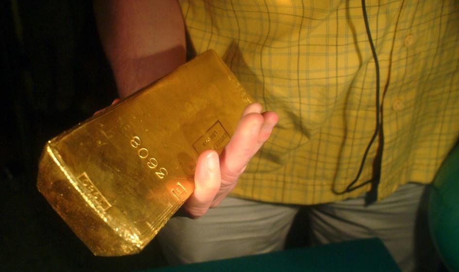 Stopy procentowe a kwestia złota