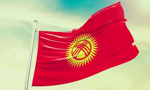 Prezydent Kirgistanu z większą władzą. W referendum blisko 80 proc. głosujących za zmianami w konstytucji