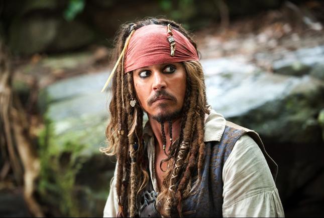 """Johnny Depp jako Jack Sparrow w filmie """"Piraci z Karaibów"""""""