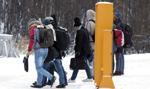 Finlandia wymaga od uchodźców paszportów i wiz