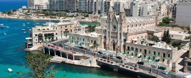 """""""Na Maltę wszystko musi albo przypłynąć, albo dolecieć"""""""