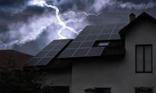 Czarne chmury nad fotowoltaiką i banki przygniecione frankiem