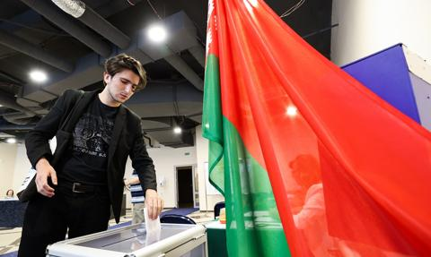 Exit poll: Łukaszenka zdobywa prawie 80 proc.w wyborach prezydenckich