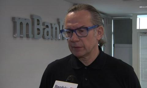 Prezes: Sprzedaż mBanku wiąże się z zabezpieczeniem ryzyka kredytów walutowych
