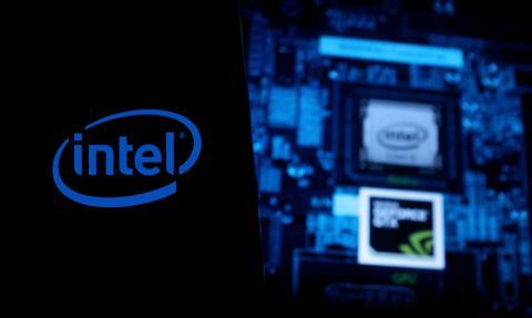 Miliardy Intela w grze. Chce zbudować osiem fabryk chipów za 80 mld euro