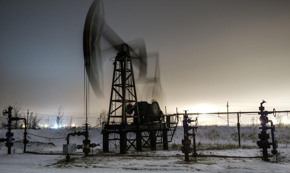 Cena ropy w USA waha się, ale ten tydzień ze spadkiem o ponad 9 proc.