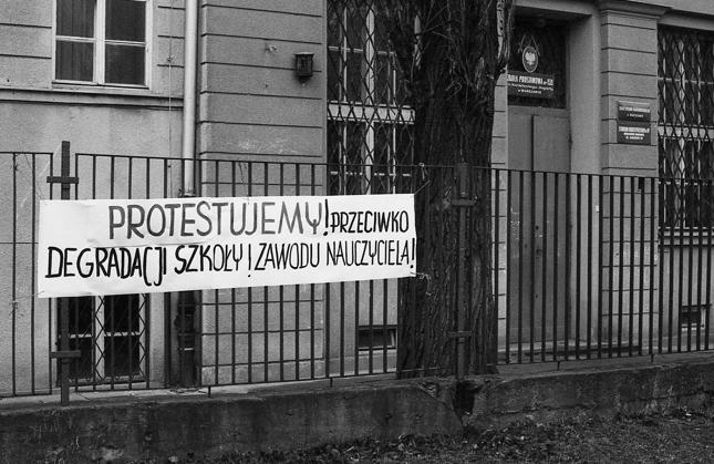 28.02.1992. Strajk ostrzegawczy pracowników oświaty.