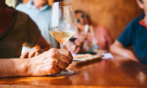 Portugalia znosi nakaz przedstawiania certyfikatów COVID-19 w restauracjach