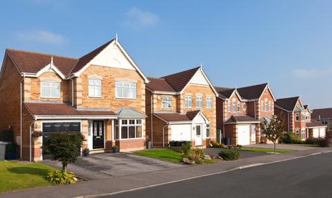 Pandemia zwiększa popyt na własne domy w Wielkiej Brytanii i napędza wzrost cen