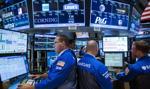 Niewielkie wzrosty na Wall Street, dane powyżej oczekiwań