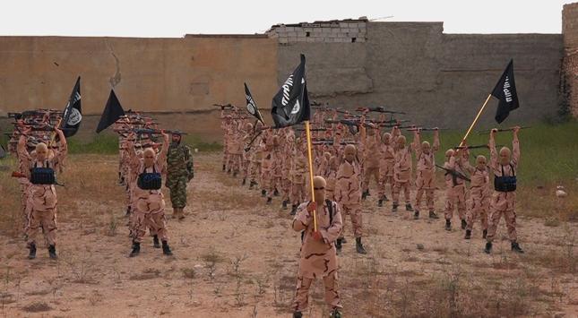 """""""WSJ"""": Państwo Islamskie jest większym zagrożeniem dla Turcji niż Kurdowie"""