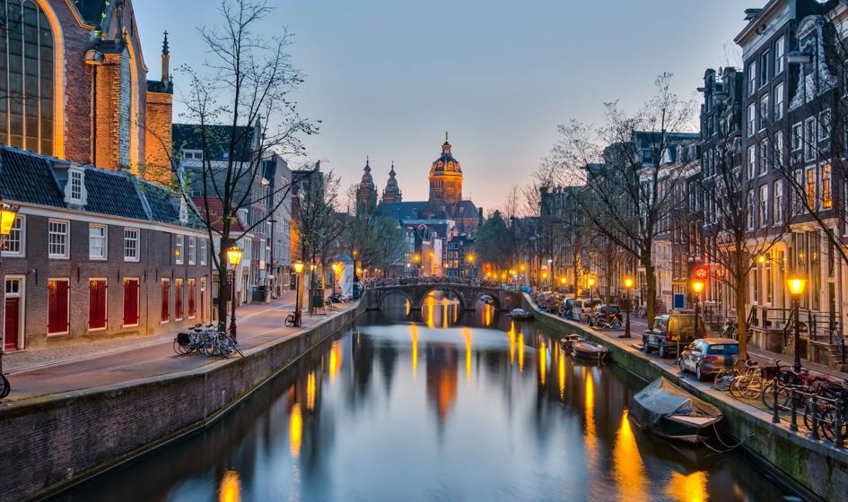 Zakaz krótkoterminowego wynajmu w Amsterdamie uchylony przez sąd