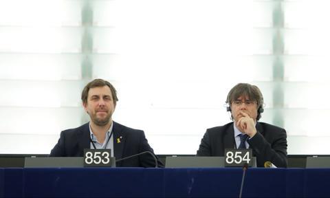 Hiszpania wystąpiła do PE o uchylenie immunitetu Puigdemonta