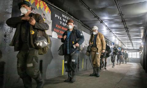Górnicy chcą m.in. gwarancji zatrudnienia do emerytury. Trwają negocjacje umowy społecznej