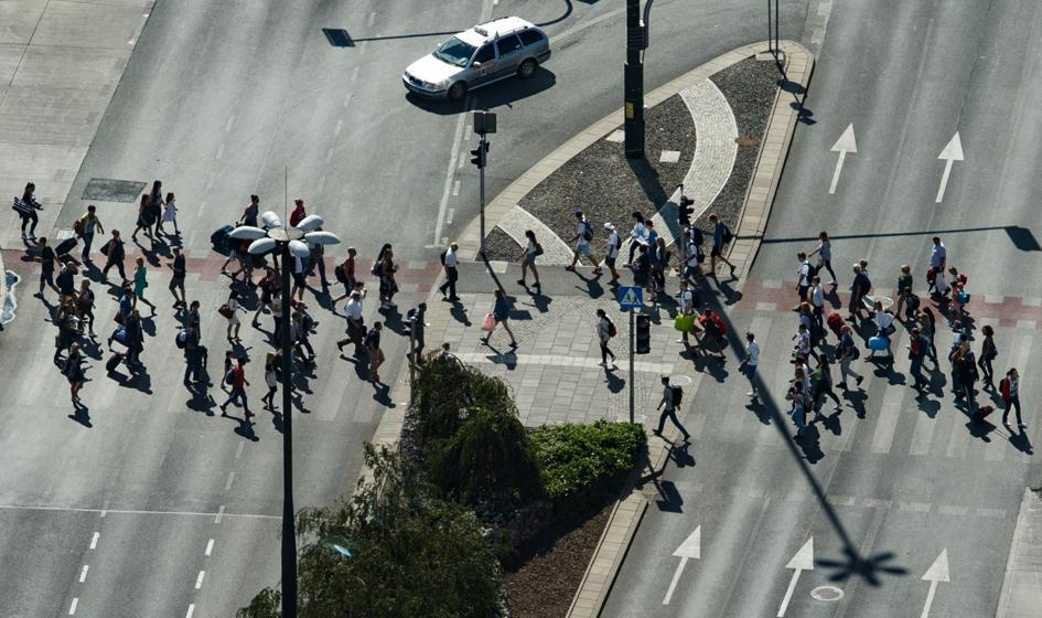 """Kierowcy oburzeni pomysłem zaostrzenia kar za wykroczenia na drogach. """"Potrzebne są mandaty dla pieszych i rowerzystów"""""""