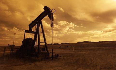 Ropa w USA tanieje. Nie pomagają nawet dane o spadku zapasów