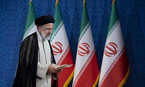 Twardogłowy duchowny Ebrahim Raisi nowym prezydentem Iranu