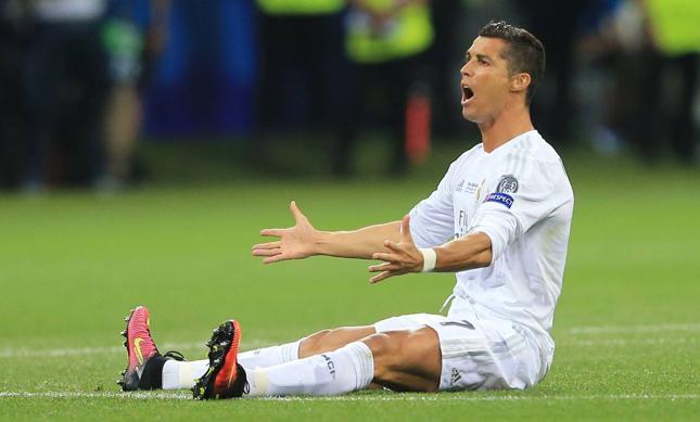 Real Madryt będzie musiał zwrócić ponad 18 mln euro pomocy publicznej. Na zdj. Ronaldo