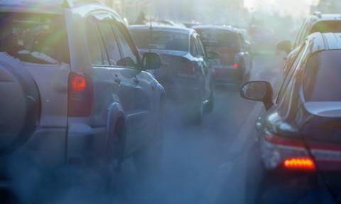 12 stanów w USA apeluje o zakaz sprzedaży samochodów benzynowych od 2035 roku