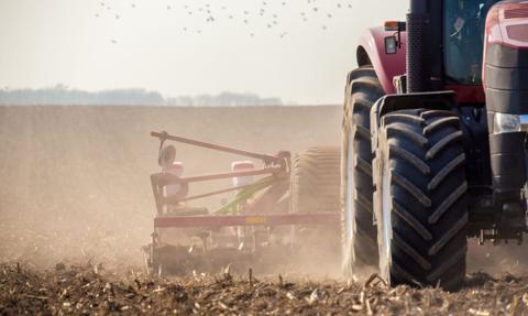 Rząd na dopłaty do składek ubezpieczenia upraw i zwierząt chce przeznaczyć ponad 1,4 mld zł