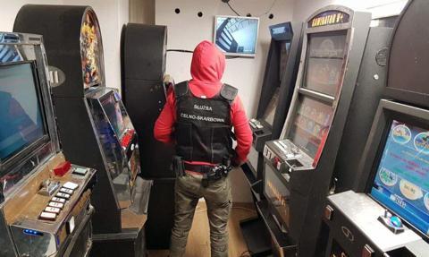 Nielegalne automaty do gier przejęte przez KAS