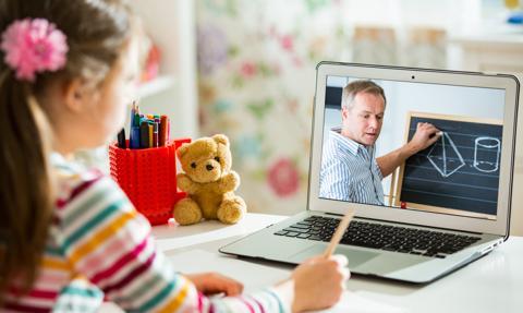 Nauczyciele wskazują luki w edukacji online