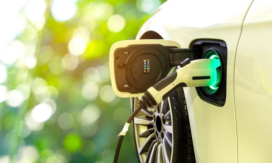 Zyska: Dotacja do zakupu auta na prąd wyniesie prawie 19 i 27 tys. zł