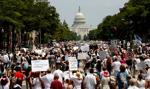 Wielotysięczny protest przeciwko polityce imigracyjnej Trumpa