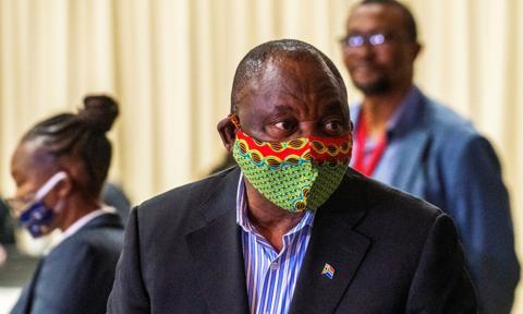 Prezydent RPA do bogatych krajów: przestańcie gromadzić zapasy szczepionek
