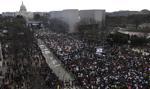Gigantyczny protest przeciw dostępowi do broni w USA