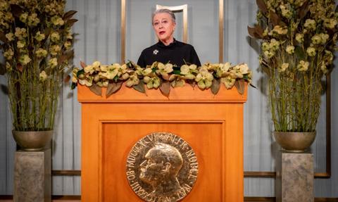 Pokojowa Nagroda Nobla po raz pierwszy wręczona została poza Norwegią