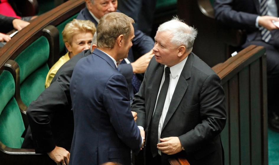 Kaczyński ucieka Tuskowi. PiS umacnia się na pozycji lidera [Sondaż]