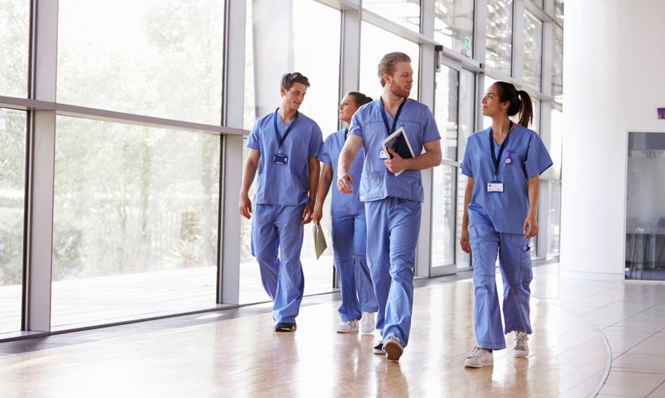 Lekarze po szkołach zawodowych? Okręgowa Rada Lekarska żąda wycofania się z pomysłu