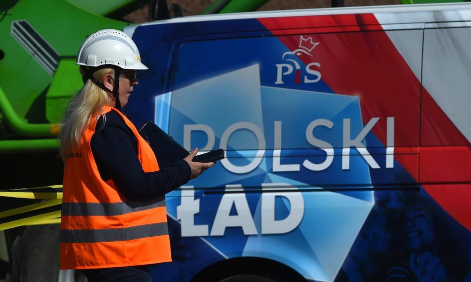 """Przez """"Polski ład"""" zrezygnują z podatku liniowego. Ze szkodą dla gospodarki"""