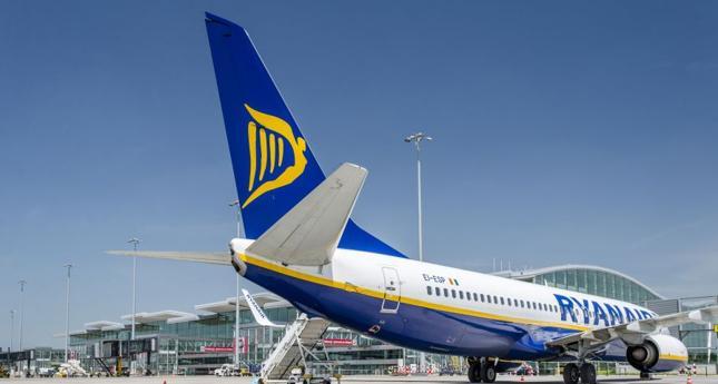 Ryanair zawiesza loty krajowe z Wrocławia i Gdańska do Warszawy
