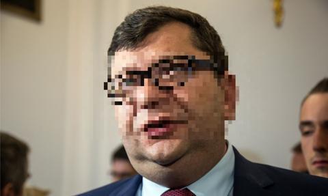 Zbigniew S. został przesłuchany do pięciu spraw; w trzech ma status podejrzanego