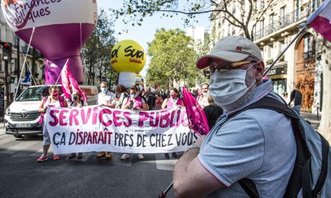 Protesty we Francji przeciwko zwolnieniom oraz reformie emerytalnej