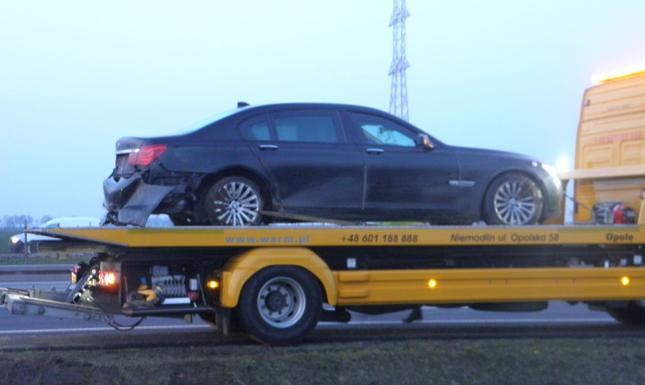 W marcu 2016 r. BMW, którym podróżował prezydent Andrzej Duda, zjechał z trasy i wpadł do rowu. W limuzynie pękła tylna opona