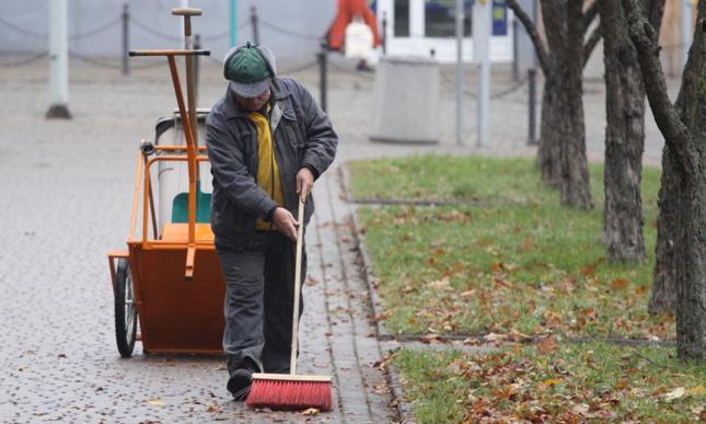 Polacy niechętnie odpracowują długi