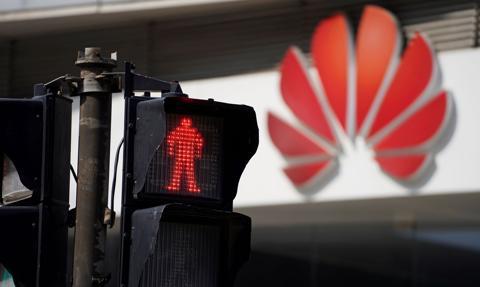 Wielka Brytania przyspiesza zakaz instalowania sprzętu Huawei